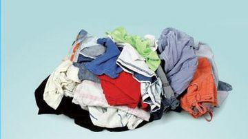Vos vieux vêtements peuvent être déposés dans des conteneurs spécifiques mis à disposition dans le territoire