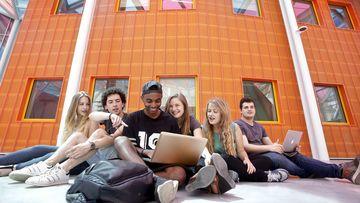 Étudiants de l'ICN Business School sur le campus Artem